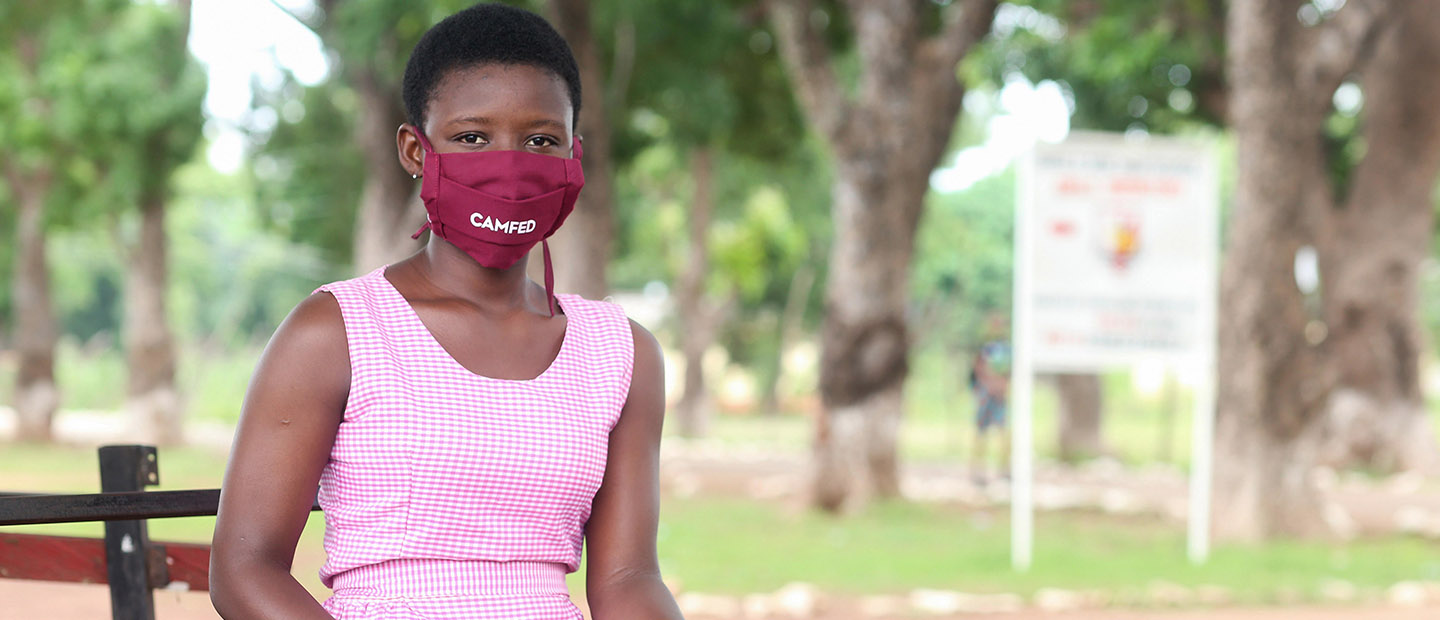 Hero_-_Student_wearing_facemask_Rebecca_GH
