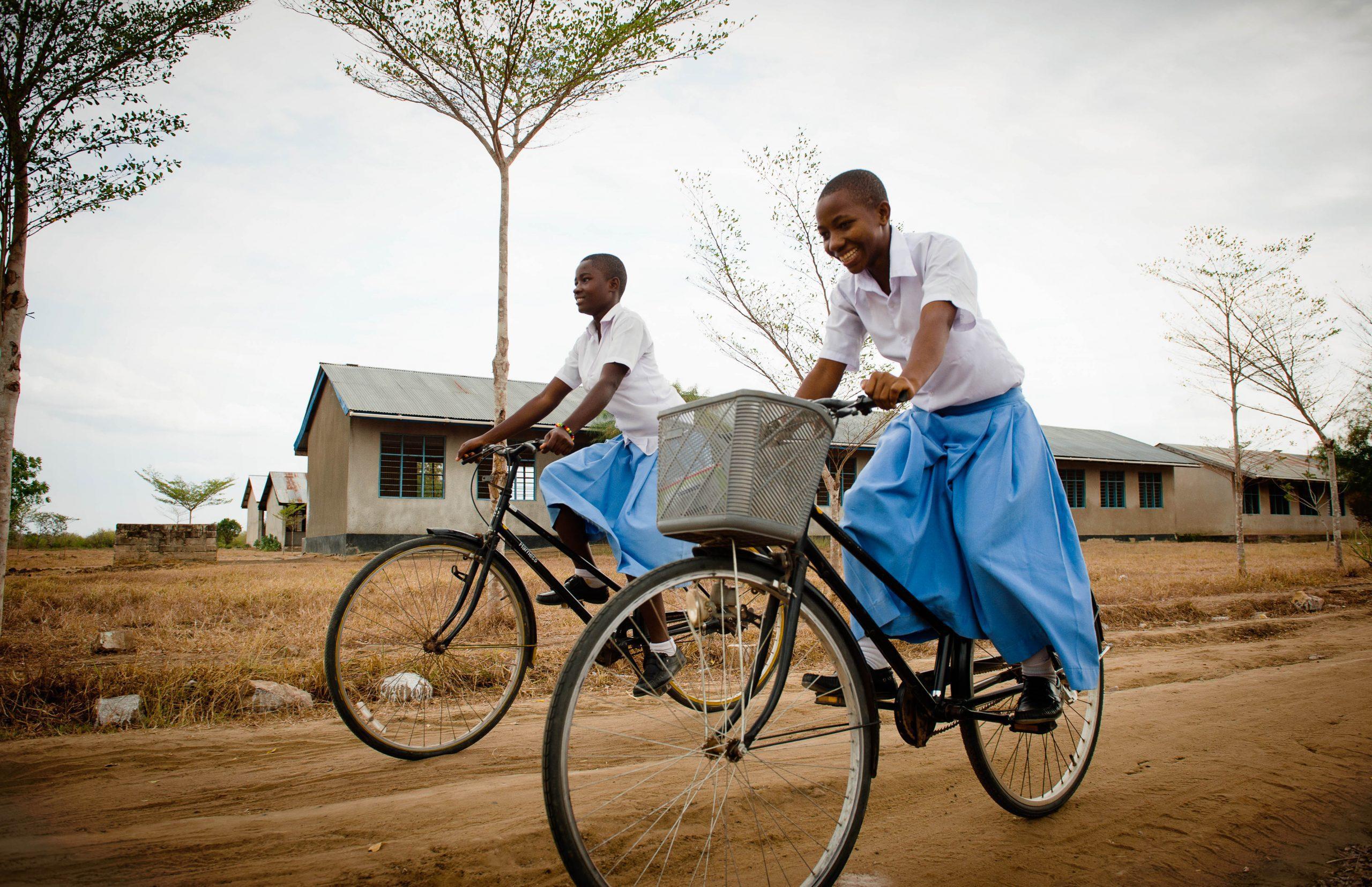 Bicycles-Camfed-scholars-Salima-and-Zawadi-Secondary-308004-Bibaha-TZ-22-Sep-2016-Eliza-Powell-DSC_2790.jpg