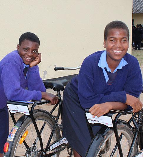 News_feature_article_image_-_3000_Bikes_Zimbabwe