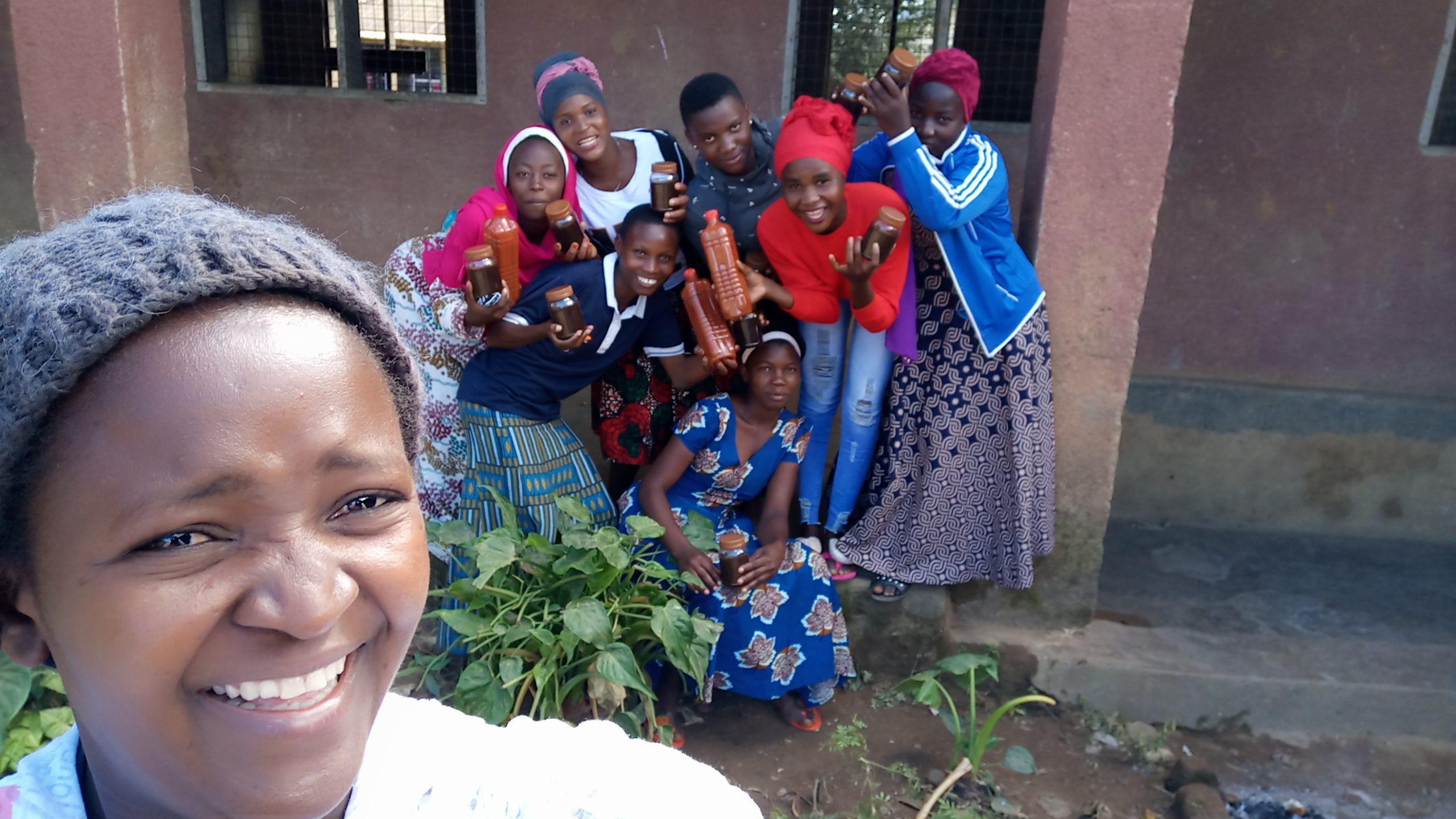 Doris-Mponji-52239-CAMA-tomato-sauce-making-Ifakara-TZ